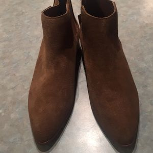 Gap tan suede boots